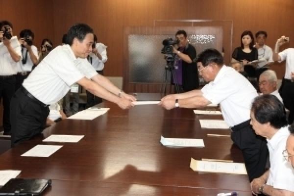 阿部知事に「新たな総合5か年計画」の策定に関する建議を行いました!